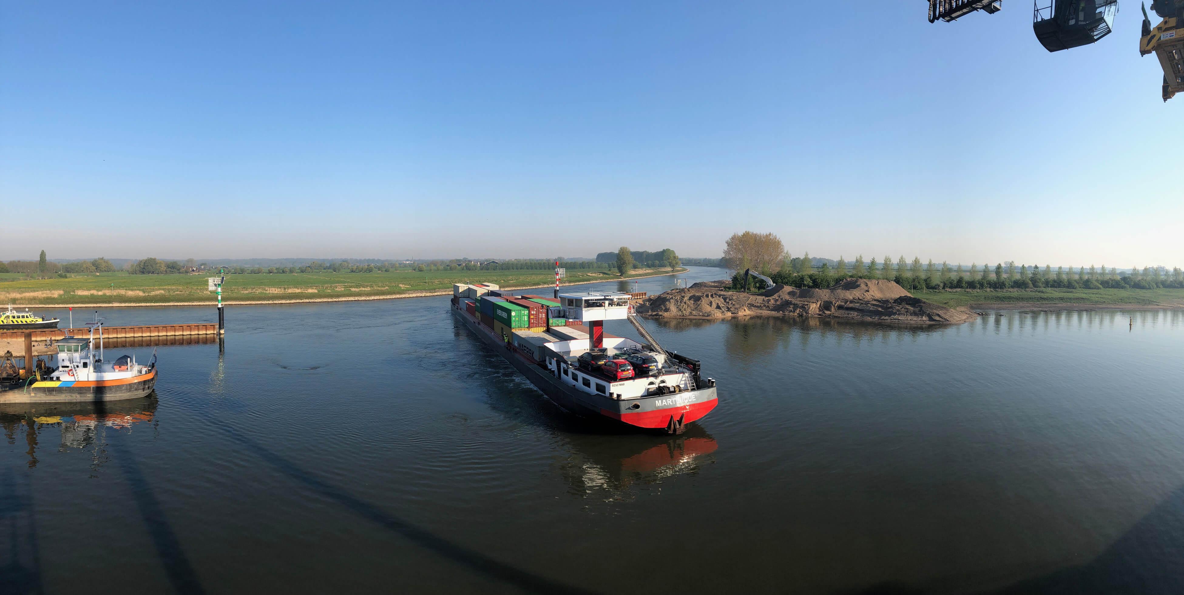 Geslaagde proefvaart met Klasse Va schip bij Container Terminal Doesburg