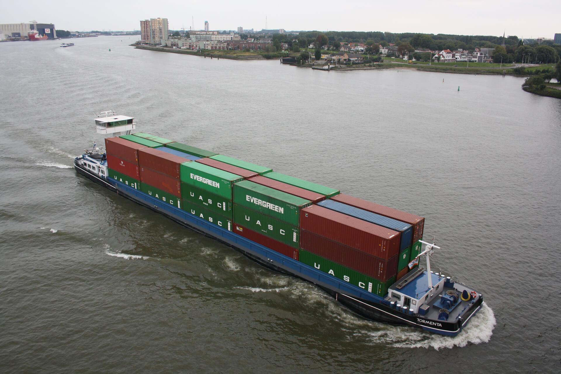 Container Terminal Doesburg introduceert klasse Va schip