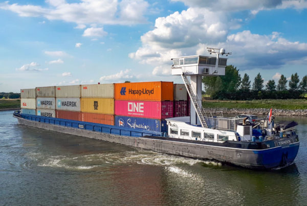 barge containers 4 hoog container terminal doesburg